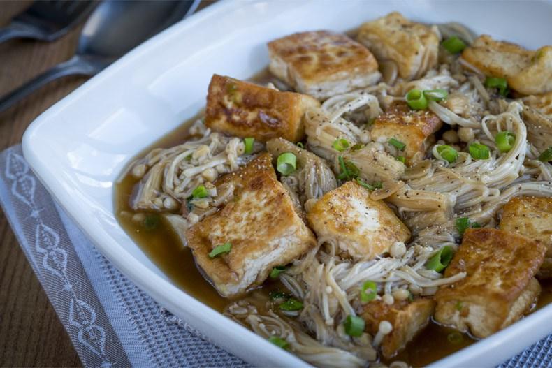 Enoki-con-Tofu