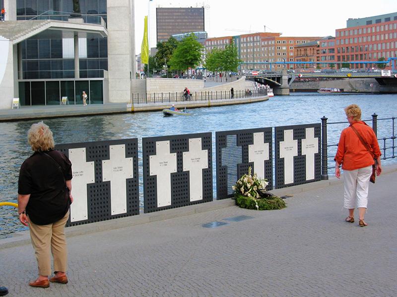 Berlín: Monumento a las orillas del río Sprea