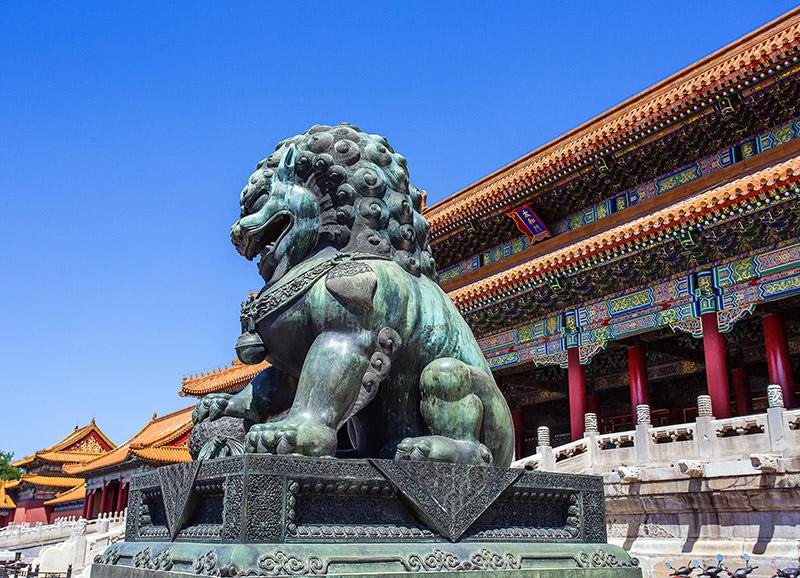 León de bronce en la ciudad prohibida. Pekin