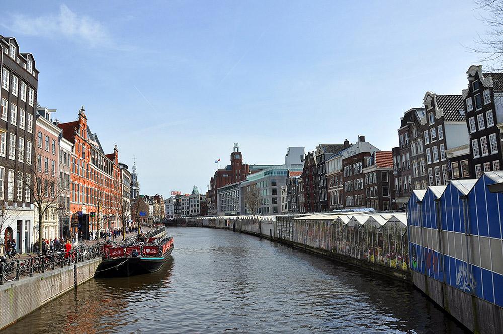 El Bloemenmarkt, el mercado de flores más famoso de Amsterdam