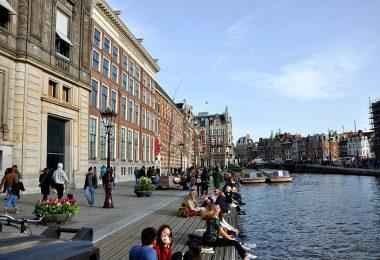 Amsterdam, Paseando por la calle Oude Turfmarkt