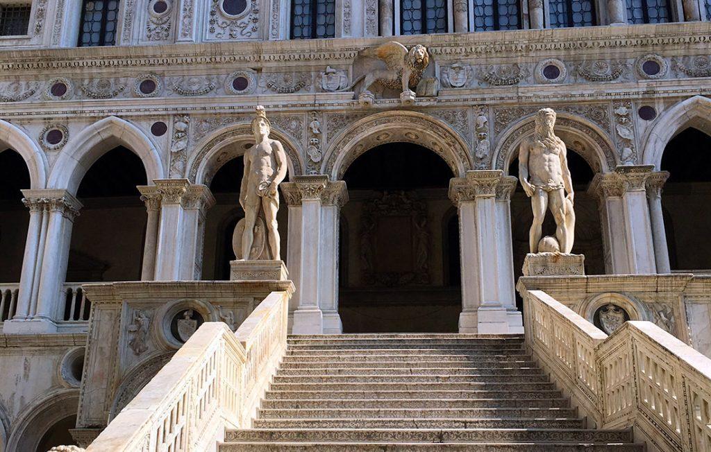 Palazzo Ducale, la Scala dei Giganti