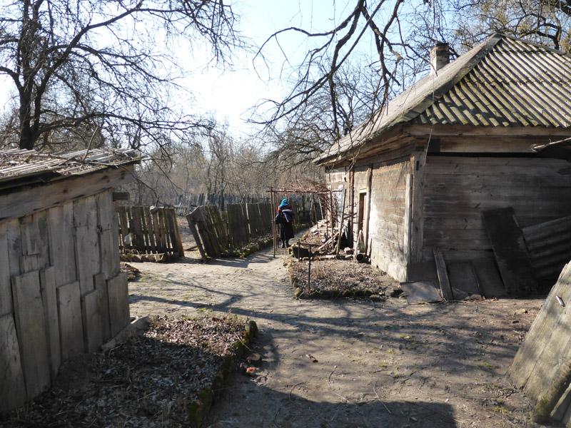 Pequeño pueblo destrozado en las cercanías de Chernóbil