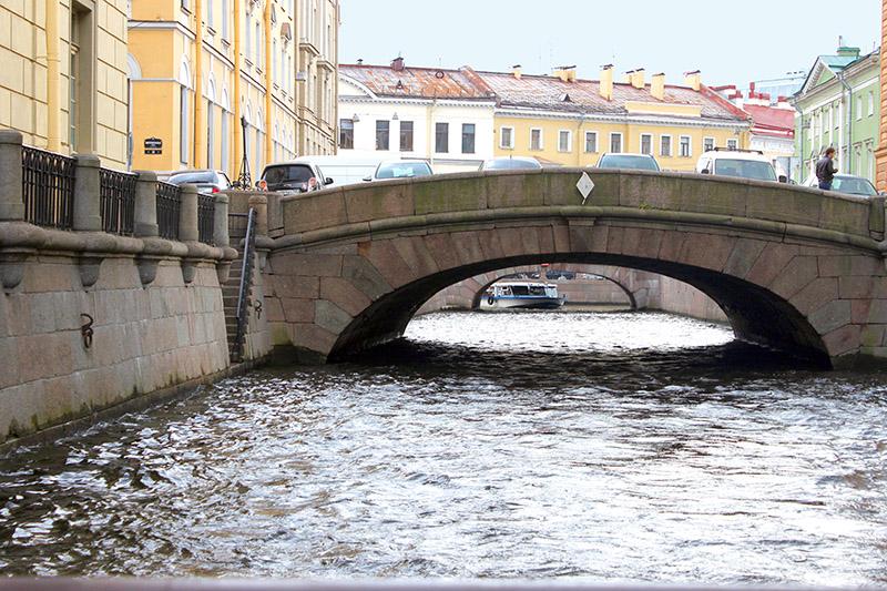 Uno de los canales que surcan la 'Venecia del norte'. San Petersburgo