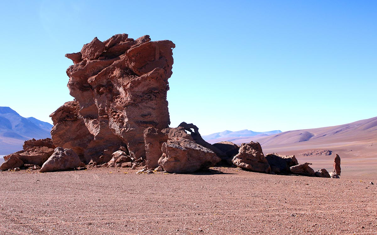 Formaciçon rocosa camino del Salar de Tara