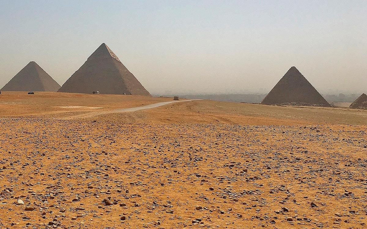 Visitar Egipto. Las tres grandes pirámides de Guiza