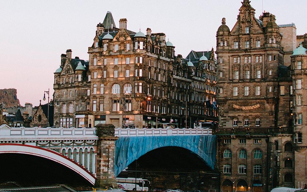 Ver Edimburgo. North Bridge