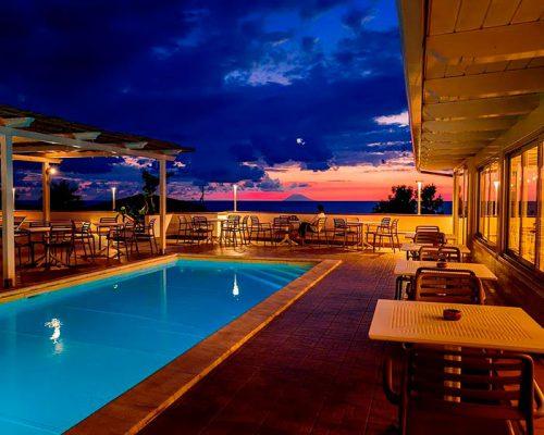 tramonto-in-piscina-conchiglia